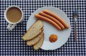 bread coffee wurst breakfest