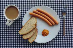 bread coffee wurst breakfest